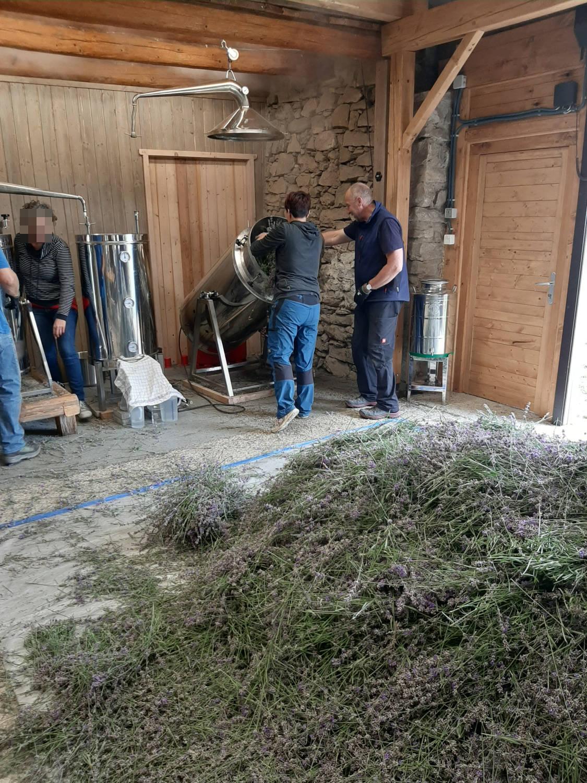 Anita Hahn: Besuch am Felslindenhof  in St. Leonhard am Hornerwald
