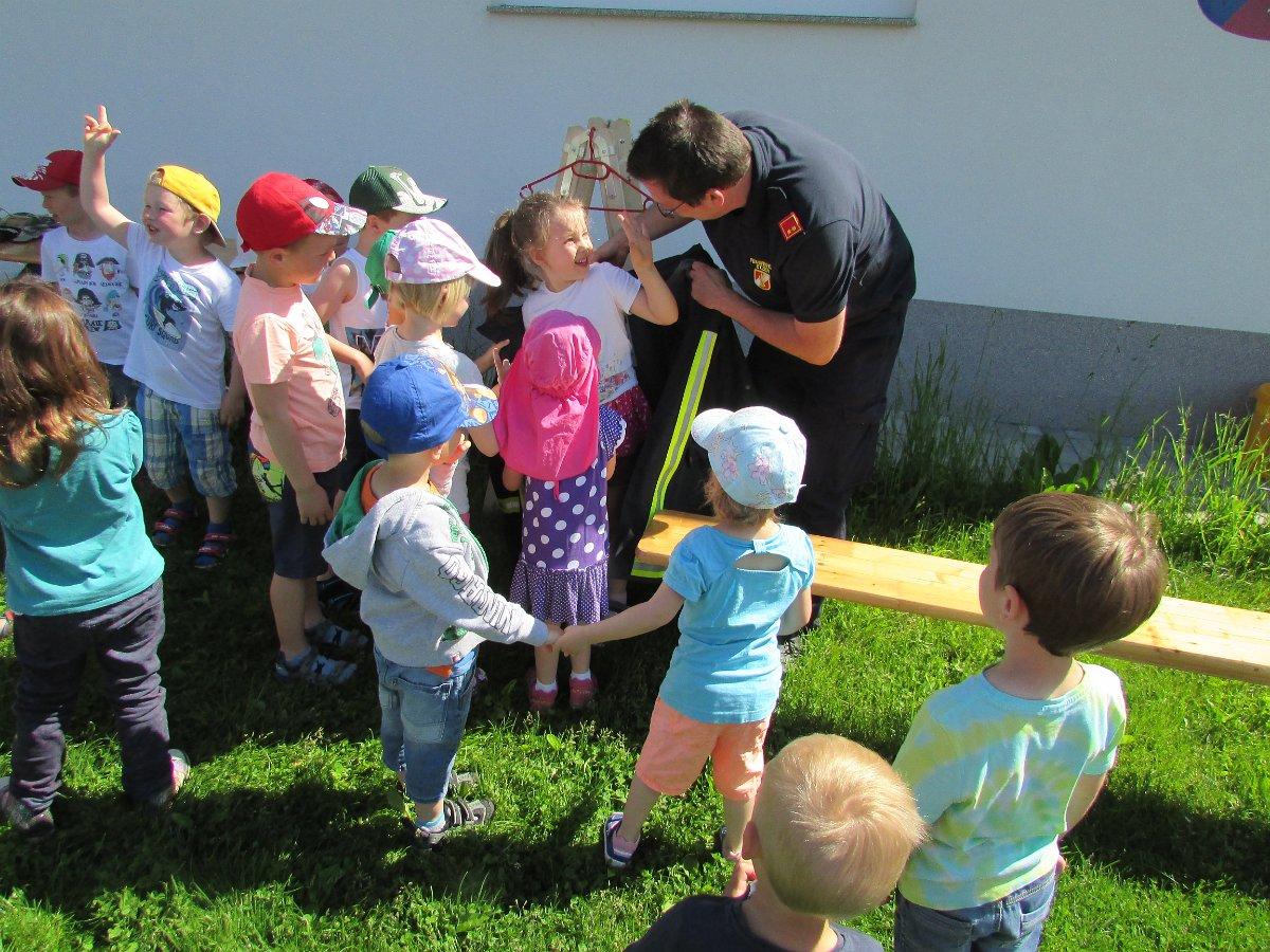 Kindergarten Etzen: Die Feuerwehr Etzen im Kindergarten 03.06.2019