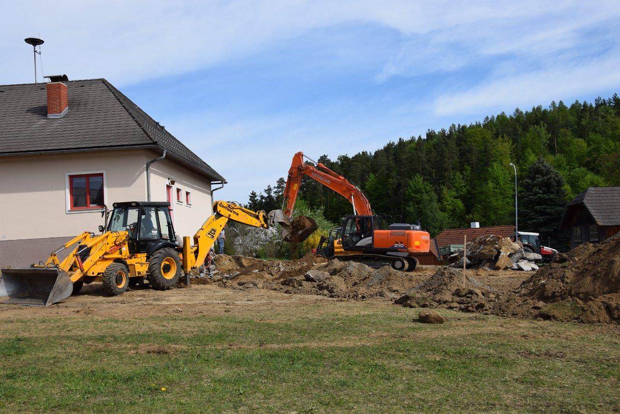 R. Jahn: Umbau Feuerwehrhaus FF Etzen 2018