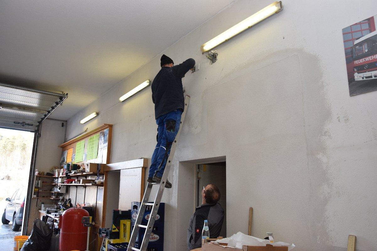 Rudi Jahn: Innenarbeiten FF Haus Etzen 09.02.2019