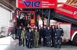 Feuerwehrjugend besuchte Flughafen
