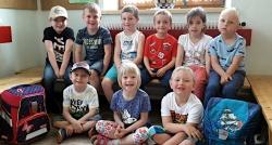 Zehn neue Volksschüler